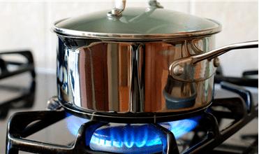 Aprenda como economizar gás de cozinha de uma vez por todas!
